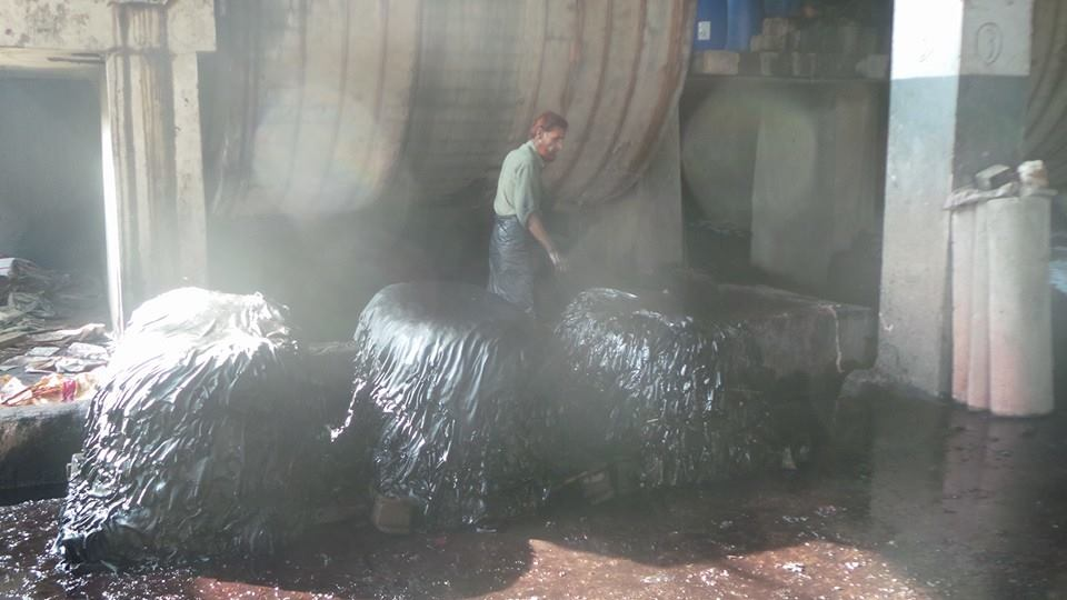 WET LEATHER IN DYE FORM IS PILLING AFTER PROCESSING